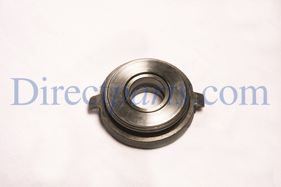 Throw-Out Bearing, Fits all Models With Twin Cylinder Air Cooled Cushman Engine